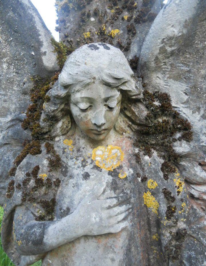 Angel statue-When a loved one dies